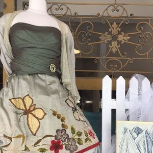 Dresses & Skirts - Antique embroidered skirt butterflies & flowers